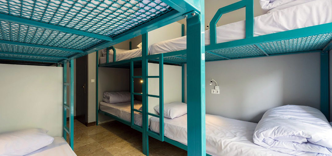 stay in isfahan hostel - ragrug hostel dorm bed